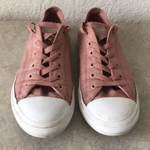 Girls Converse Chuck Taylor Shoes size 5